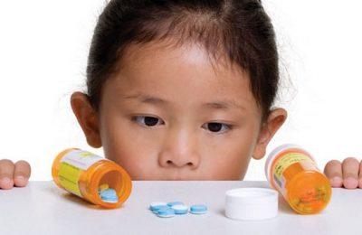 trẻ uống kháng sinh bị rối loạn tiêu hóa